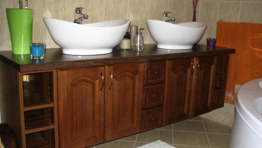 Amikor nem konyhabútor kell - Dió dupla mosdós szekrény