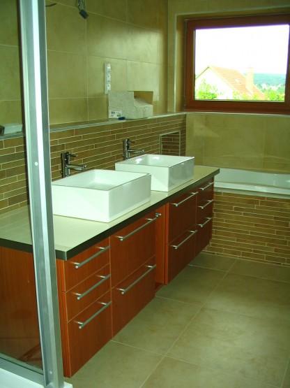 fürdősobabútor alsó szekrényekkel