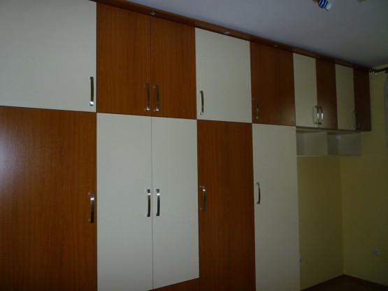 Gardróbszekrények nyíló ajtókkal