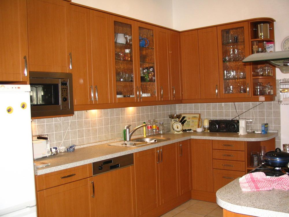 Cseresznyefa klasszikus konyha - Konyha-szerviz Stúdió Bt.