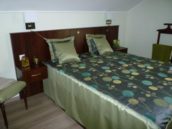 Hálószobabútor – wenge fejtámlával