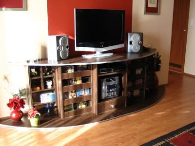 Kiegészítő bútor - Tv-szekrény