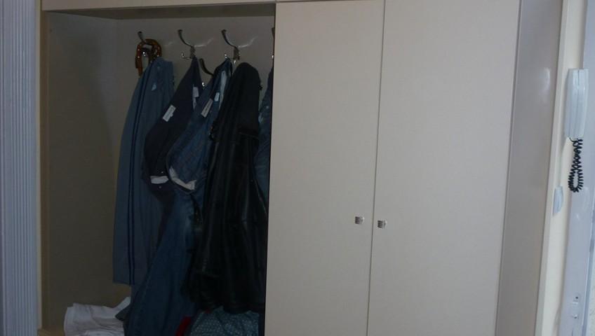 fehér előszobabútor - előszobafal