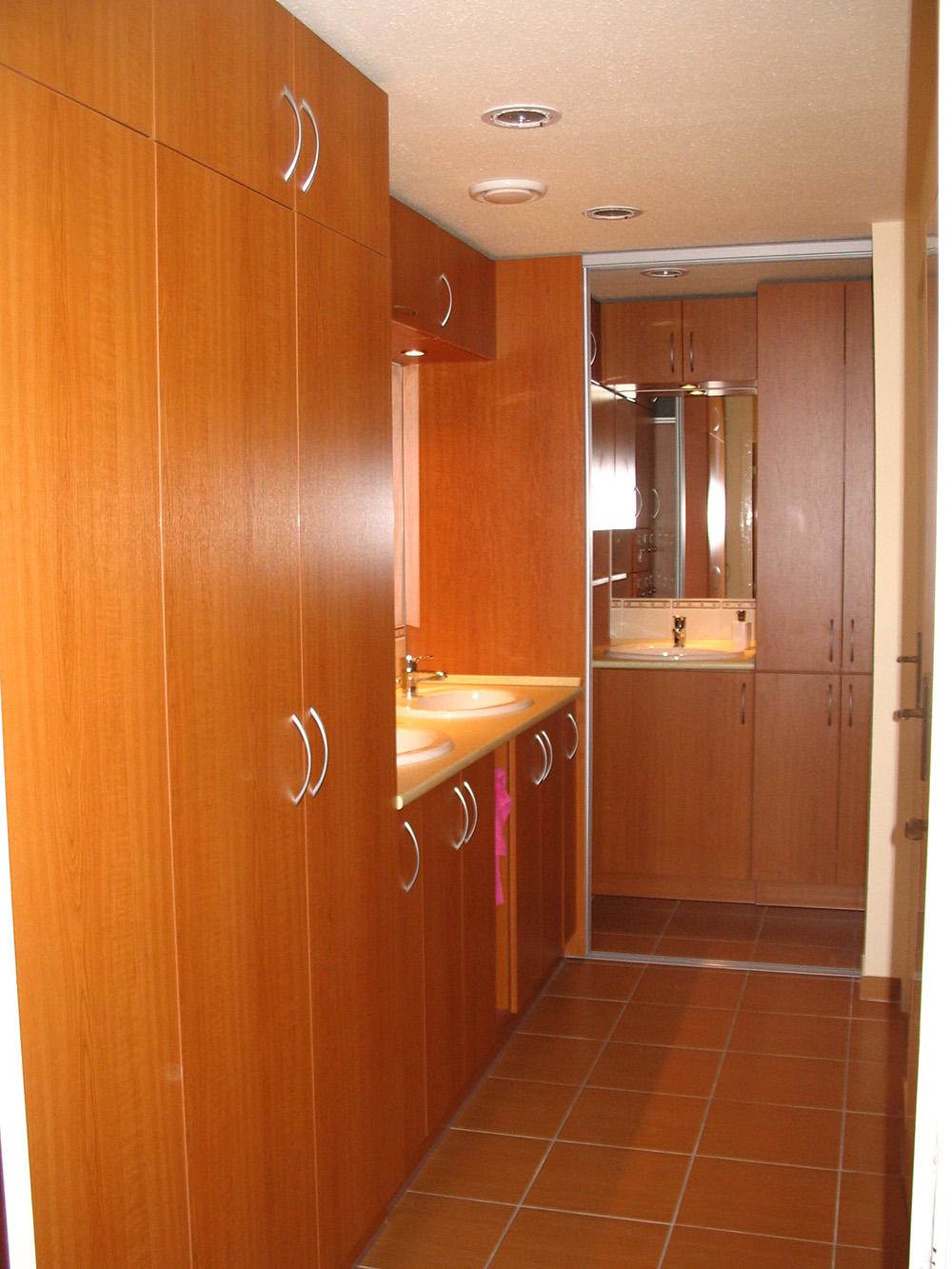 Fürdőszobabútor - fürdő szekrénysor cseresznye színben