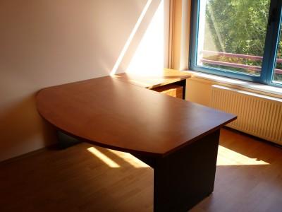L alakú íróasztal - Konyha-Szerviz Bt.
