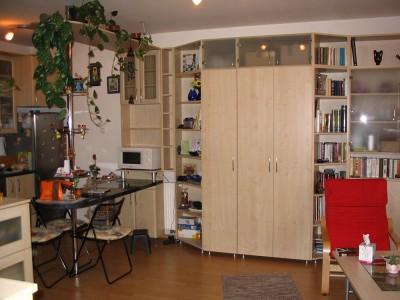 nappali szekrénysor konyharésszel, juharból