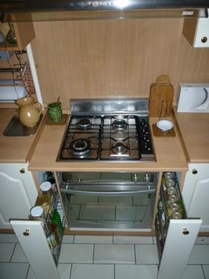 Alacsony háziaszzony számára leengedtük a főzési magasságot.