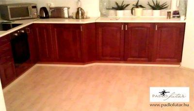 Laminált padló és konyha