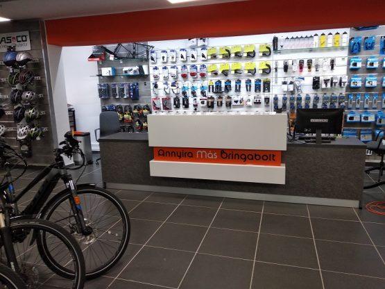 kerékpárbolt recepciós pult