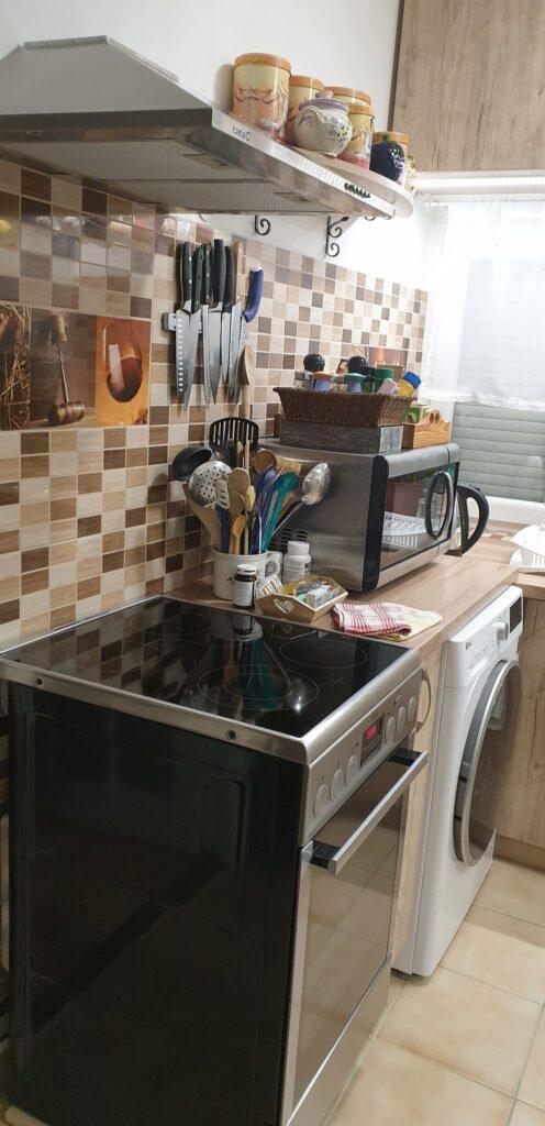 Felújított konyhabútor mosógéppel